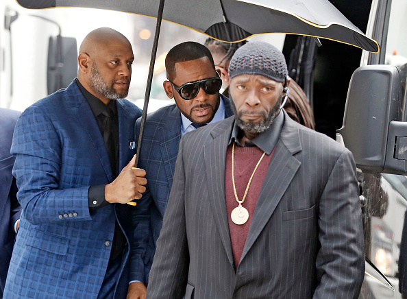 Kelly public「R. Kelly Appears In Family Court Over Unpaid Child Support」:写真・画像(13)[壁紙.com]