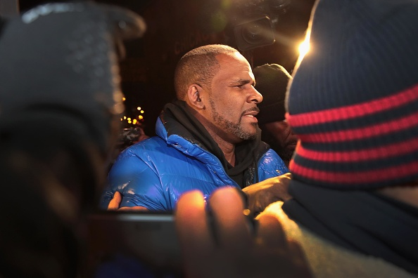 Singer「R. Kelly Charged With Multiple Counts Of Aggravated Criminal Sexual Abuse」:写真・画像(18)[壁紙.com]