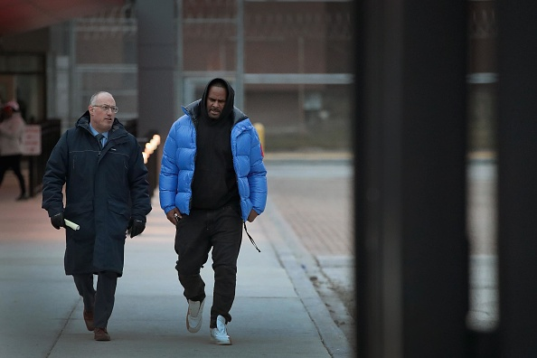 Lawyer「R. Kelly Appears In Court For Aggravated Sexual Abuse Charges」:写真・画像(17)[壁紙.com]