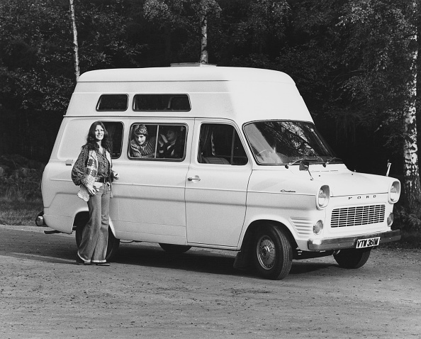 On The Move「Ford Cantebury Plainsman Transit Van」:写真・画像(10)[壁紙.com]