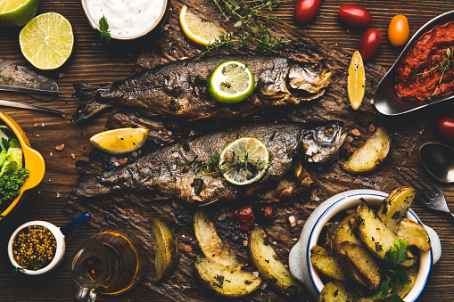 Sea Bream「Grilled fish with the addition of spices, herbs and lemon」:スマホ壁紙(10)