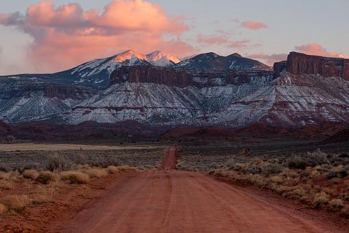 Extreme Sports「Desert Mountain Scene Near Moab Utah」:スマホ壁紙(11)