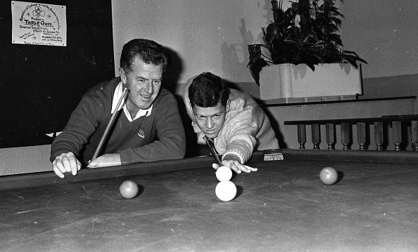 Two People「Gordon Lambe and Peter Lambe 1987」:写真・画像(4)[壁紙.com]