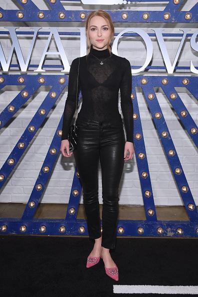 AnnaSophia Robb「Swarovski Times Square Celebration with Karlie Kloss」:写真・画像(14)[壁紙.com]