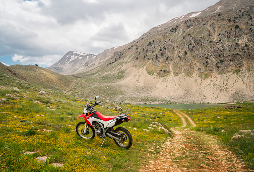 Motorcycle「Enduro Motorcycle on the mountain road」:スマホ壁紙(2)