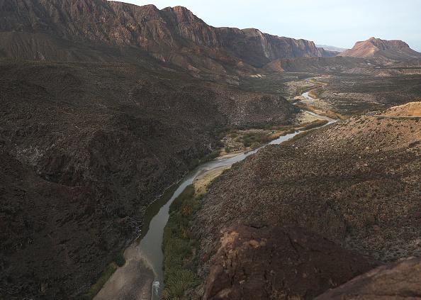 ヒューマンインタレスト「Border Wall Funding Continues To Be Divisive Issue Prolonging Government Shutdown」:写真・画像(15)[壁紙.com]