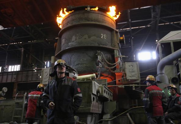 Economy「Steel Plant Continues Production Despite Conflict In Eastern Ukraine」:写真・画像(4)[壁紙.com]