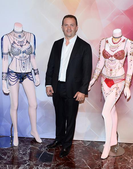 Victoria's Secret Fantasy Bra「Victoria's Secret Angels Adriana Lima  and Alessandra Ambrosio Debut Dream Angels Fantasy Bra By Mouawad」:写真・画像(1)[壁紙.com]