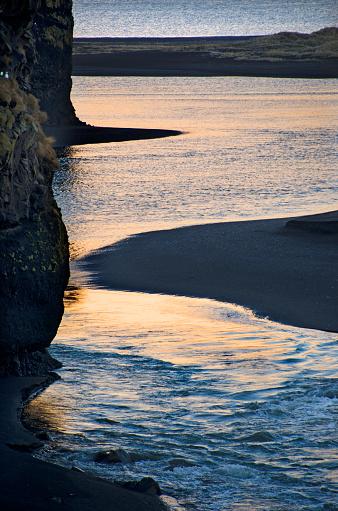 Basalt「Dyrholaey Seascape in Iceland」:スマホ壁紙(12)