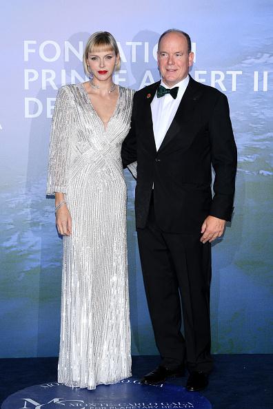 銀色のドレス「Monte-Carlo Gala For Planetary Health : Photocall」:写真・画像(5)[壁紙.com]