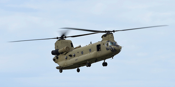 CH-47 Chinook「Thousands Gather On Townsville Foreshore For T150 Defence Force Air Show」:写真・画像(5)[壁紙.com]