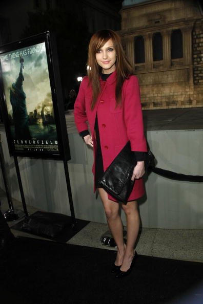 "Material「Los Angeles Premiere of Paramount's ""Cloverfield"" - Arrivals」:写真・画像(15)[壁紙.com]"