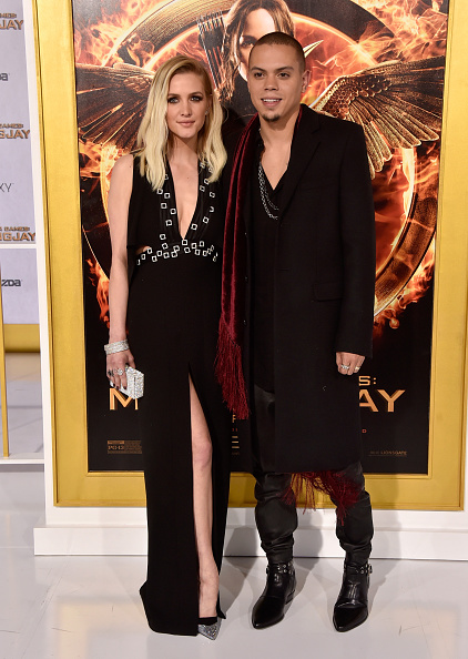 Ashlee Simpson「Premiere Of Lionsgate's 'The Hunger Games: Mockingjay - Part 1' - Arrivals」:写真・画像(16)[壁紙.com]