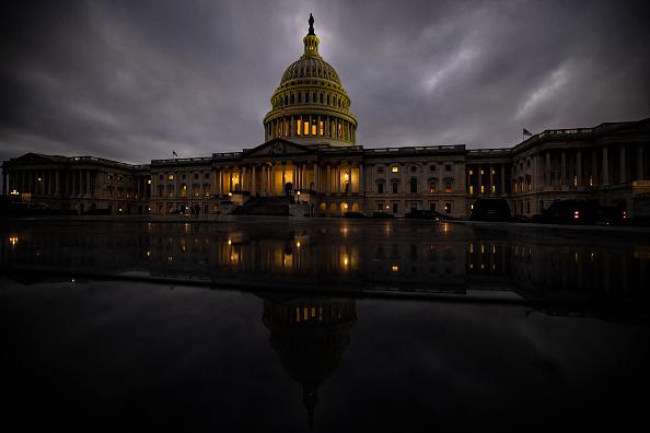 Dusk「Lawmakers Continue Work On Coronavirus Relief Deal And Omnibus Spending Package」:写真・画像(10)[壁紙.com]