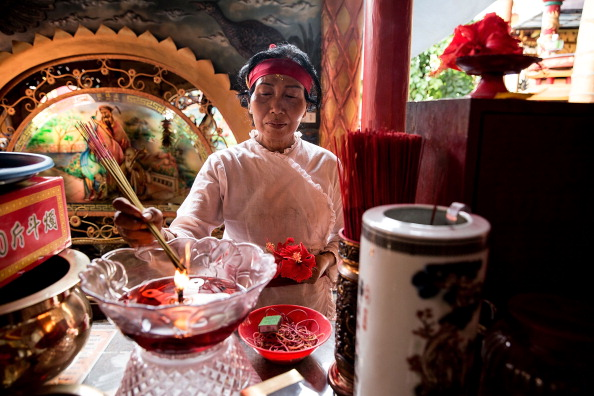 Cultures「Members Of Dwipayana Tanah Kilap Temple Prepare For Chinese New Year」:写真・画像(8)[壁紙.com]