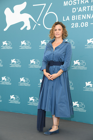 "Blue Shoe「""No One Left Behind"" Photocall - The 76th Venice Film Festival」:写真・画像(5)[壁紙.com]"