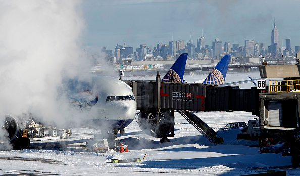 British Airways「US East Coast Begins To Dig Out After Large Blizzard」:写真・画像(14)[壁紙.com]
