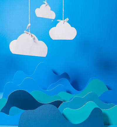 Cloud Computing「Blue Abstract Paper Mountain Chart With Could Concept」:スマホ壁紙(0)