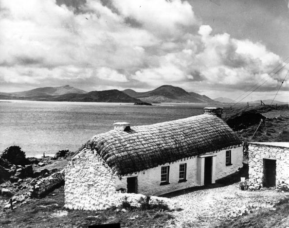County Donegal「Cottage By The Sea」:写真・画像(16)[壁紙.com]