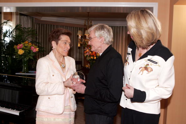 Recovery「Director Blake Edwards Receives The Recovery Milestone Award 2005」:写真・画像(9)[壁紙.com]