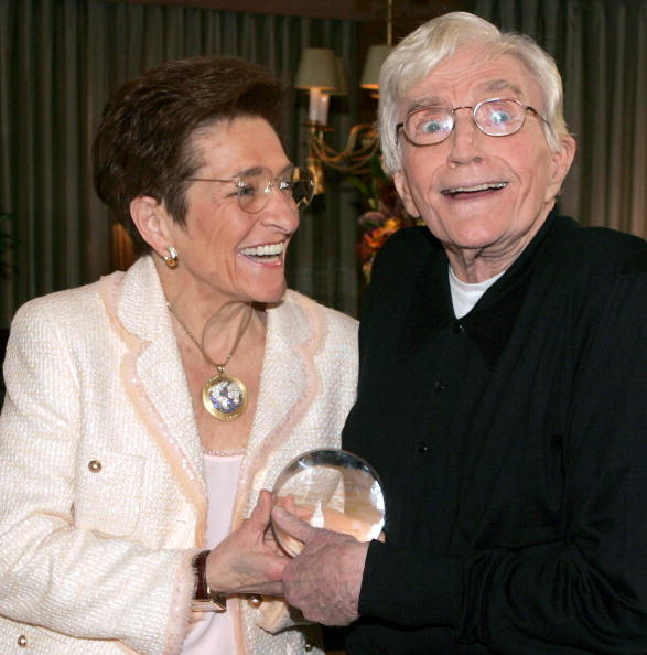 Recovery「Director Blake Edwards Receives The Recovery Milestone Award 2005」:写真・画像(8)[壁紙.com]