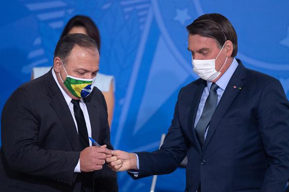 President of Brazil「Bolsonaro Participates in the Swearing-In Ceremony of the New Health Minister Amidst the Coronavirus (COVID - 19) Pandemic」:写真・画像(4)[壁紙.com]