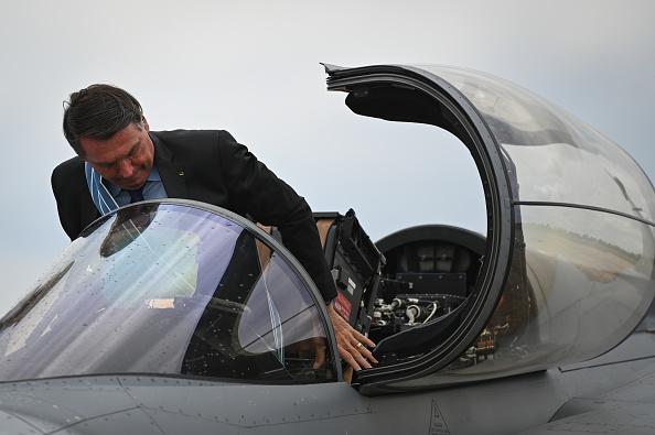 President of Brazil「Bolsonaro Attends The Aviator and Brazilian Air Force Day Amidst the Coronavirus (COVID - 19) Pandemic」:写真・画像(14)[壁紙.com]