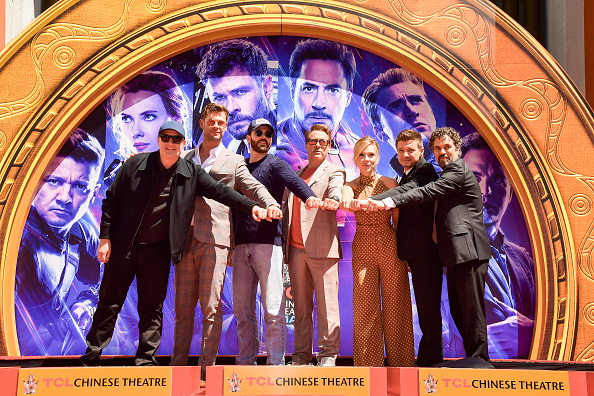 "Cast Member「Marvel Studios' ""Avengers: Endgame"" Cast Place Their Hand Prints In Cement At TCL Chinese Theatre IMAX Forecourt」:写真・画像(16)[壁紙.com]"