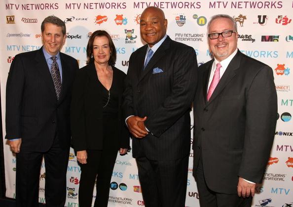 George Foreman「MTV Networks Upfront - Arrivals」:写真・画像(7)[壁紙.com]