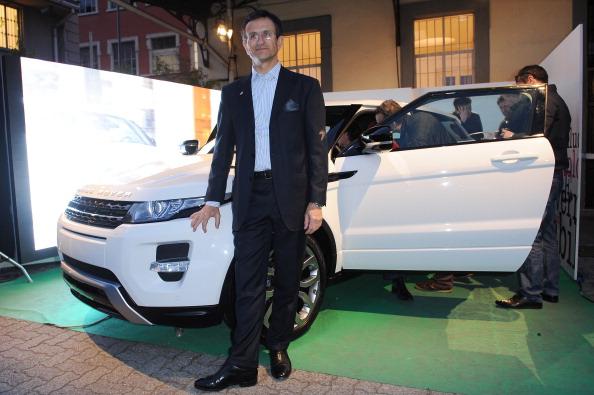8061dcc6d59 ワイヤーフレームモデル「Benedict Radcliffe Unveils Wireframe Design Installation  Inspired By Range Rover Evoque」