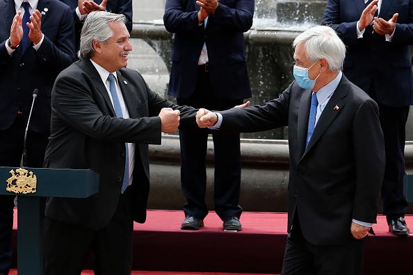 Sebastián Piñera「Argentine President Alberto Fernandez Meets Chilean President Sebastian PiÒera」:写真・画像(10)[壁紙.com]