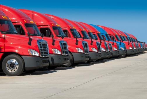 Conformity「USA, Tennessee, Jackson, New semi trucks」:スマホ壁紙(13)