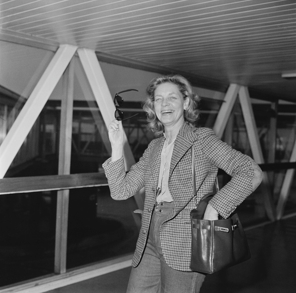 Heathrow Airport「Lauren Bacall」:写真・画像(19)[壁紙.com]
