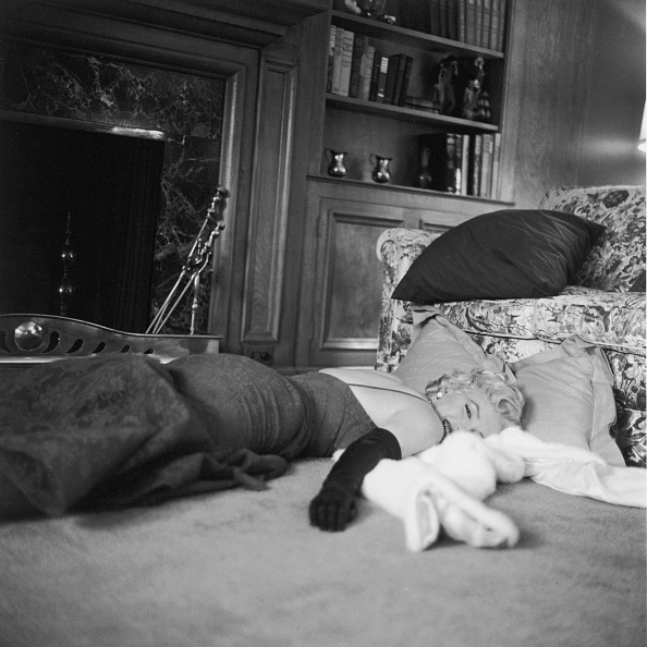 Gene Lester「Lounging Monroe」:写真・画像(2)[壁紙.com]