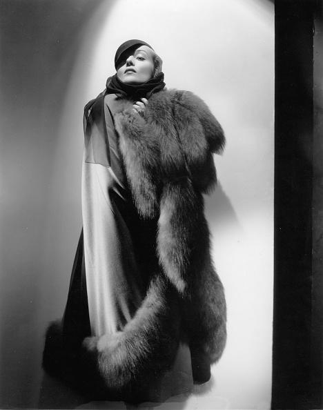 Warm Clothing「American actress Carole Lombard, Photograph, Around 1930」:写真・画像(5)[壁紙.com]