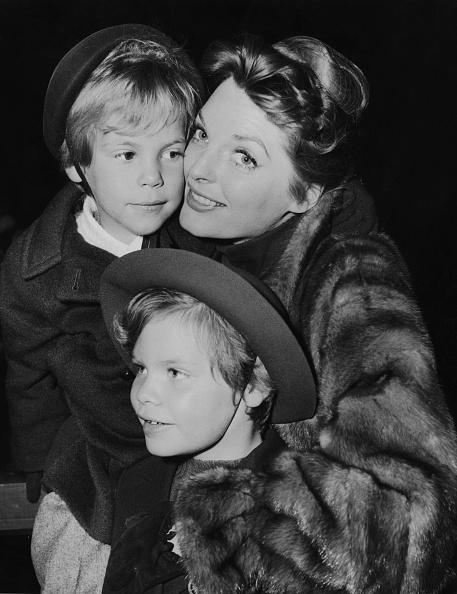 ジュリー ロンドン「Julie London And Children」:写真・画像(6)[壁紙.com]