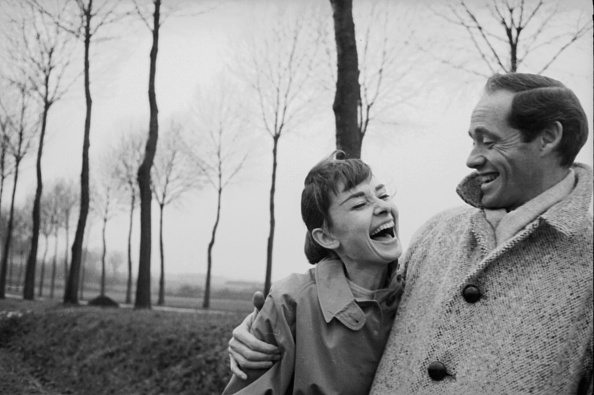 Laughing「Hepburn And Ferrer」:写真・画像(17)[壁紙.com]