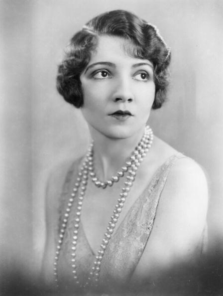 Necklace「Claudette Colbert」:写真・画像(19)[壁紙.com]