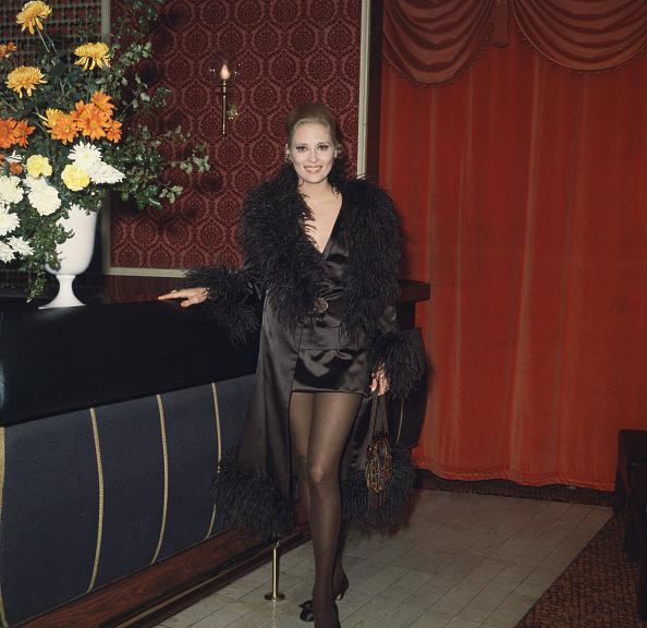Vase「Faye Dunaway」:写真・画像(4)[壁紙.com]