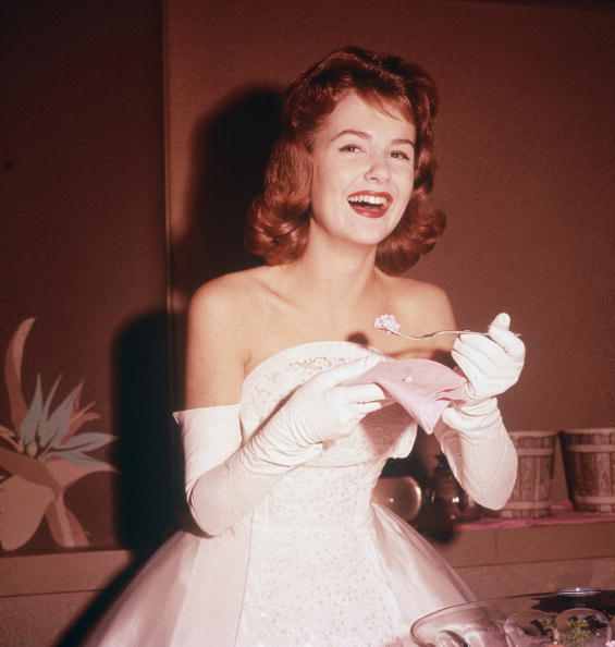 White Glove「Shelley Fabares Laughing At Party」:写真・画像(16)[壁紙.com]