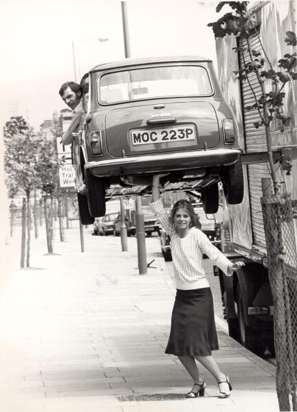 Picking Up「Lindsay Wagner As The Bionic Woman」:写真・画像(1)[壁紙.com]