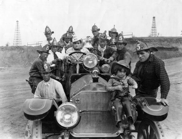 Hulton Archive「Tom Mix And Cast」:写真・画像(7)[壁紙.com]