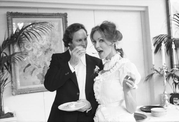 Wedding Reception「The Happy Couple」:写真・画像(1)[壁紙.com]