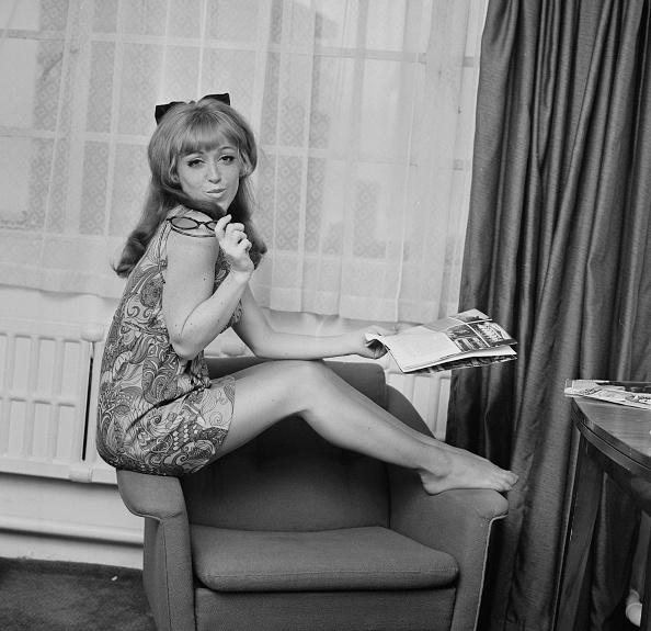 Armchair「June Gable」:写真・画像(3)[壁紙.com]