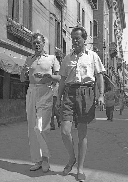 Polo Shirt「A Walk In Town」:写真・画像(10)[壁紙.com]