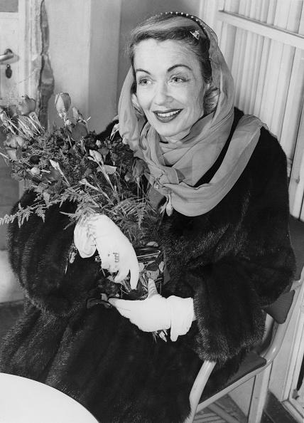 Bouquet「Constance Bennett」:写真・画像(8)[壁紙.com]