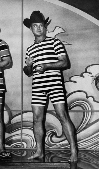 水着「Larry Hagman」:写真・画像(17)[壁紙.com]