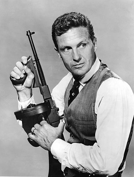 Robert Stack In Publicity Still For 'The Untouchables':ニュース(壁紙.com)