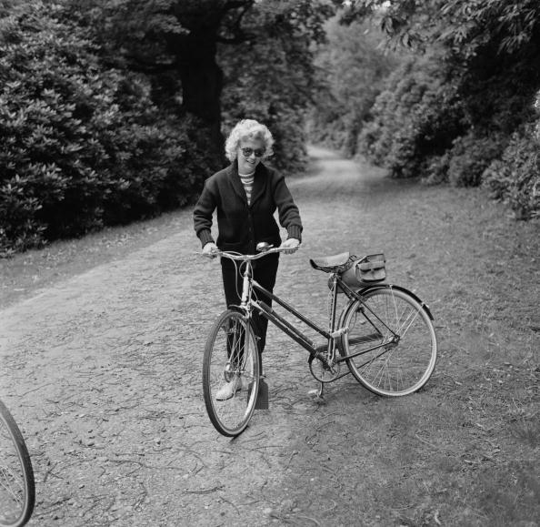 Bicycle「Monroe With Bicycle」:写真・画像(14)[壁紙.com]