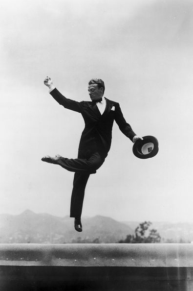 Formalwear「Cagney leaping in formal attire」:写真・画像(3)[壁紙.com]